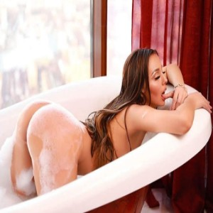Teen Escort Kira in Izmir, Turkey