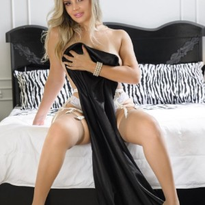 Teen Escort Ruby in Izmir, Turkey