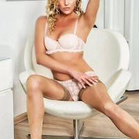 EscortAngelsVienna - Escort Agencies in Austria - Mia