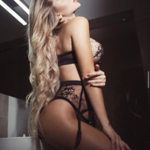 Teen Escort Emily in Izmir, Turkey